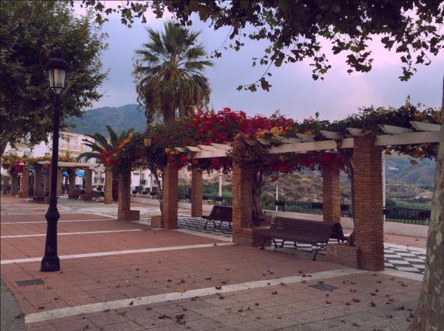 Nerja Turismo - Maro - Plaza de Maro