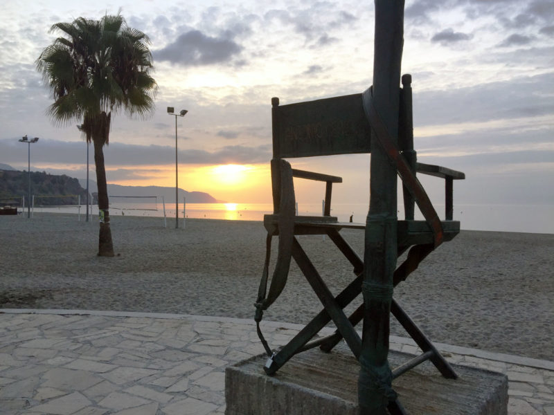 Nerja Turismo - Playas de Nerja - Playa de Burriana - Bandera Azul