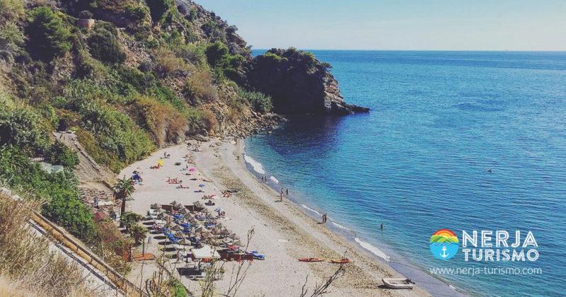 vistas desde arriba de la playa de Maro