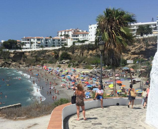 Nerja Turismo - Playas de Nerja - Playa del Salon - Bajada Playa