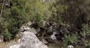 Nerja Turismo - Ruta del Rio Chillar - 9 Zona Rocosa
