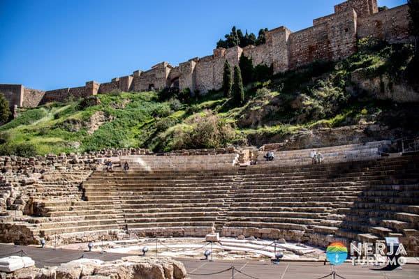 Teatro romano junto a la alcazaba