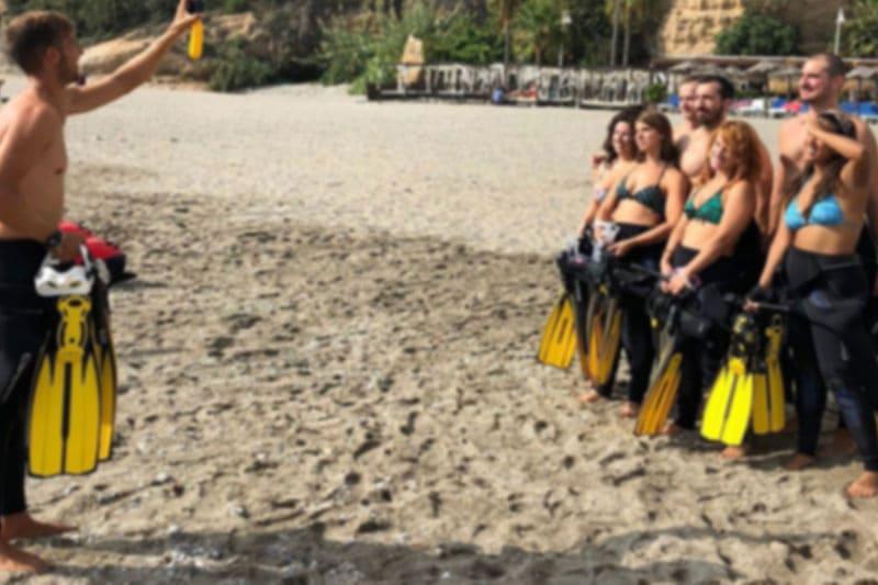 snorkel por los acantilados de maro